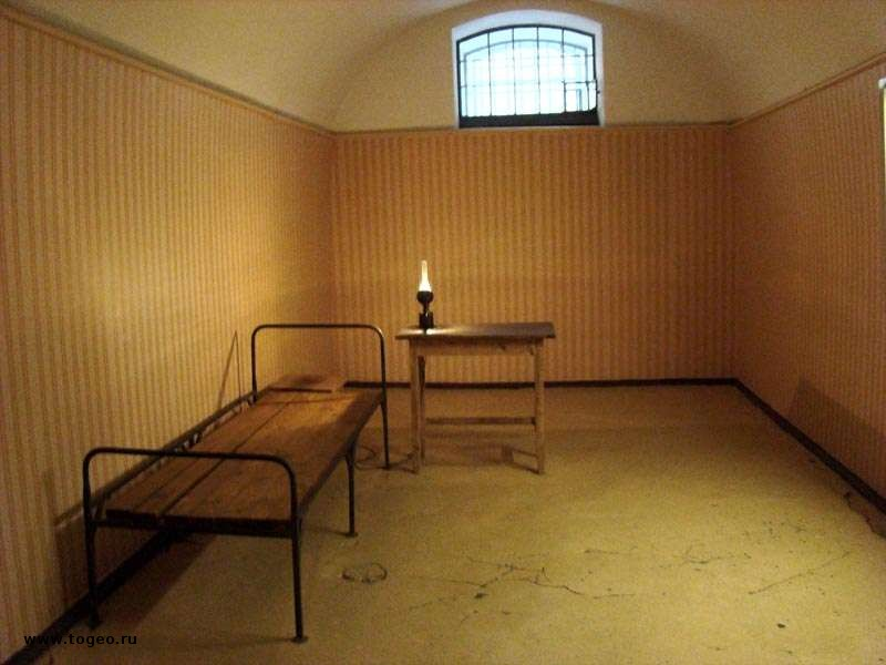 Тюрьма и узники трубецкого бастиона